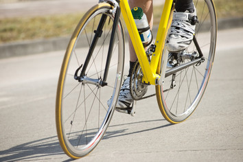 Clipless Shoes and Pedals: What's the Point?