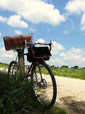 Gravel Grinder bike and country mailbox