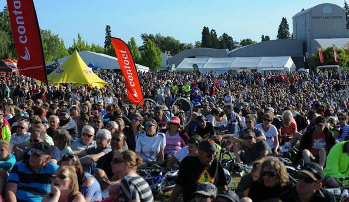 Big crowd at a cycling race day in Lake Taupo, NZ