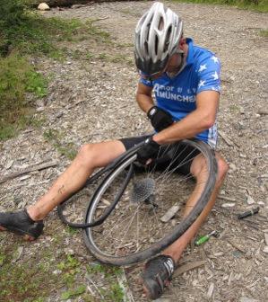 Chainging bike tire