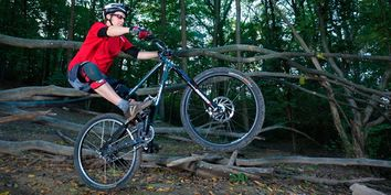 Mountain bike skills: Hop, manual and uphill pop!