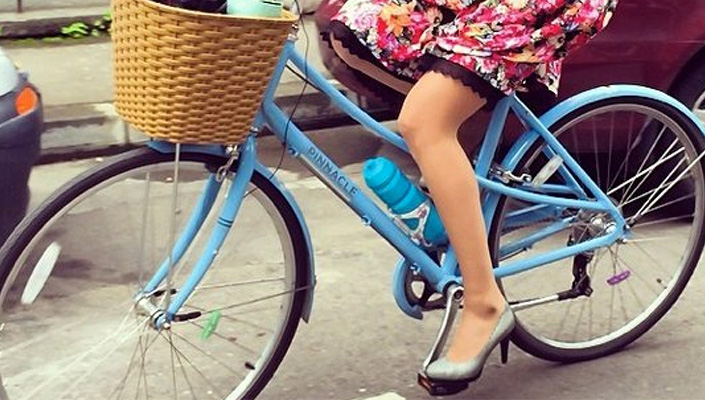 Cycle with a short skirt