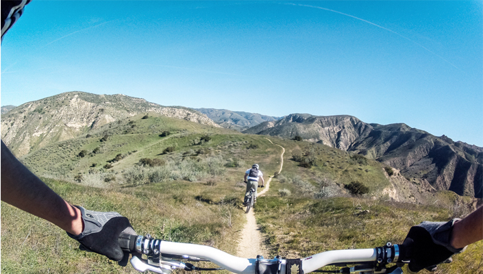 This man and woman are conquering their singletrack fear!