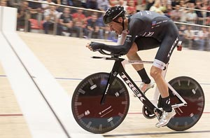 Jens Voigt breaks the hour record in Switzerland - Sep. 18, 2014
