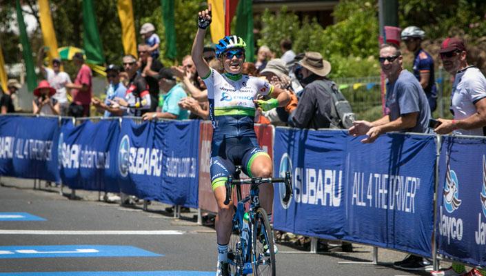 Lizzie Williams wins stage 3 of Santos Women's Tour