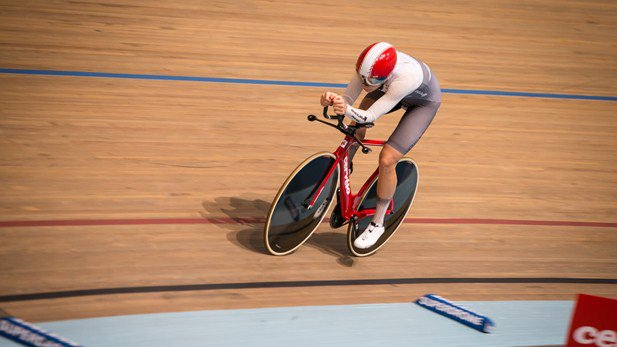 Bridie O'Donnell setting a new hour record in Adelaide's Superdome
