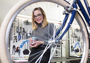 Victoria Pendleton in bike shop