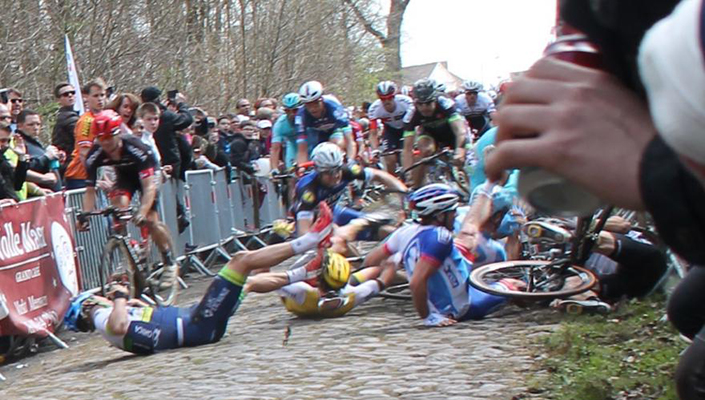 riders crash at 2016 Pairs to Roubaix road bike race