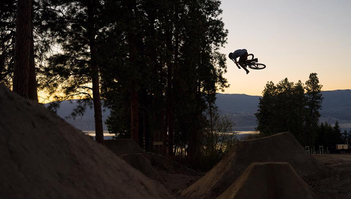 Brett Rheeder Sunset MindShift Trail 16L Review