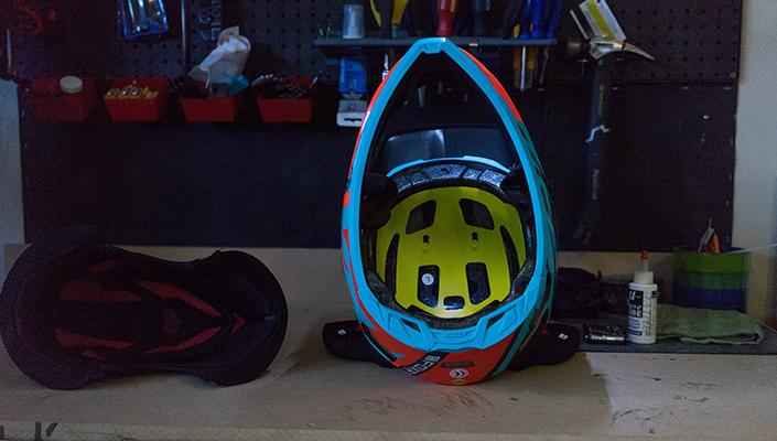 MIPS liner visible in Fox Rampage Pro Carbon helmet