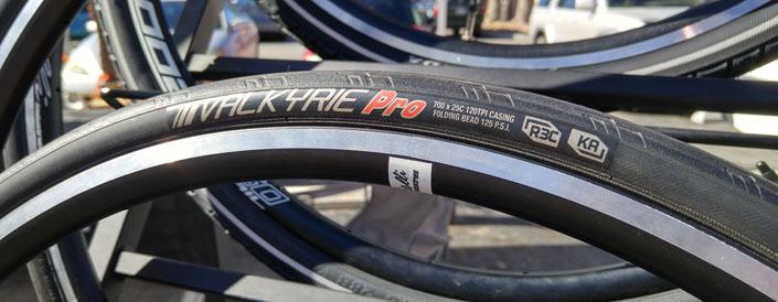 Kenda Valkyrie Pro road bike tire