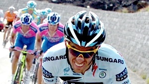 Alberto Contador wears a Breathe Right strip - Giro d'Italia 2011. photo: steephill.tv