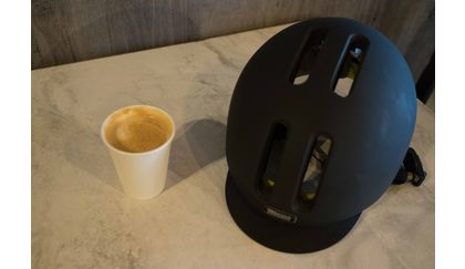 Nutcase Metroride MIPS bicycle helmet weighs about as much as a cappuccino