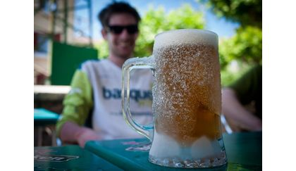 Grab a beer and swap stories at the end of your bike park day - via basquemtb.com