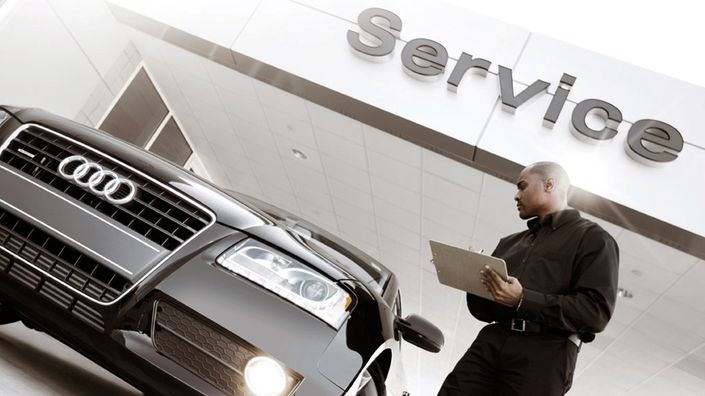 Service checklist and details at an Audi dealer