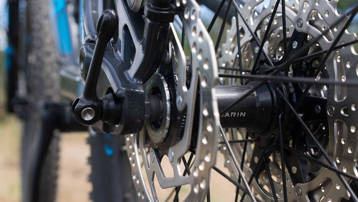 Interchangeable axle system  - Marin Hawk Hill - photo by Josh Palmer