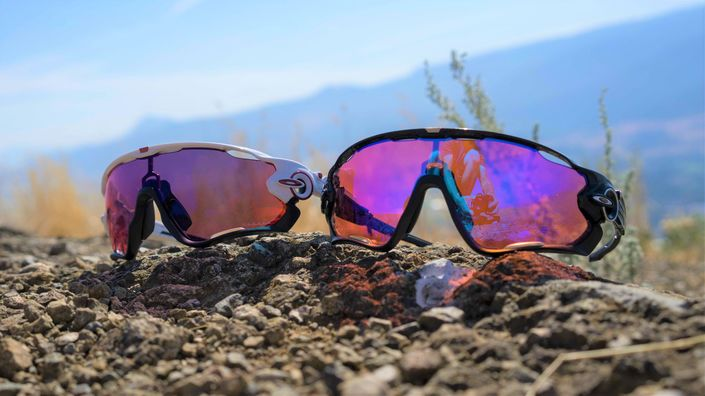 Oakley Jawbreaker sunglasses with PRIZM technology for Road and Trail cycling.