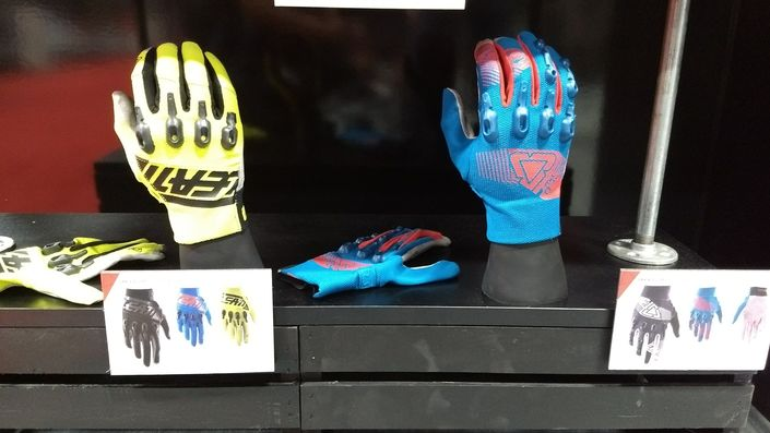 Leatt gloves