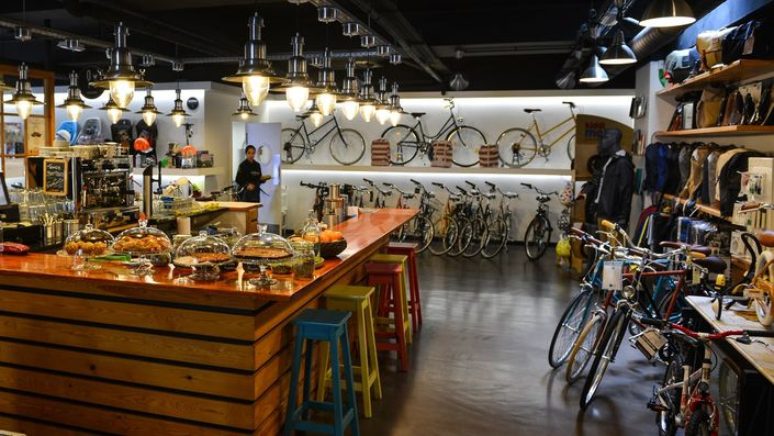 Vélocité Café - A beautiful bike shop and cafe