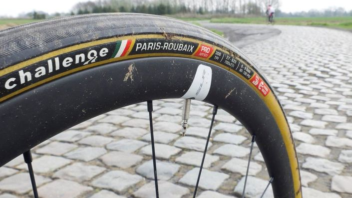 Challenge Tires Paris-Roubaix PRO in 700x27 mm