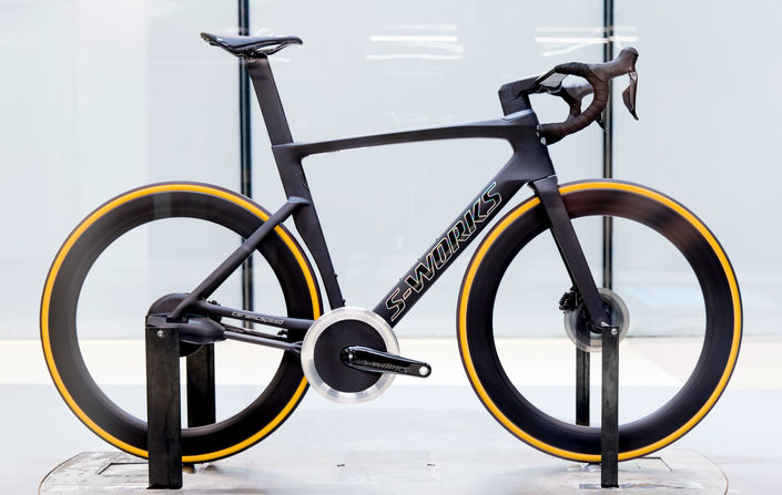 Specialized Venge outfitted with CeramicSpeed's Driven — the most aerodynamic road bike?